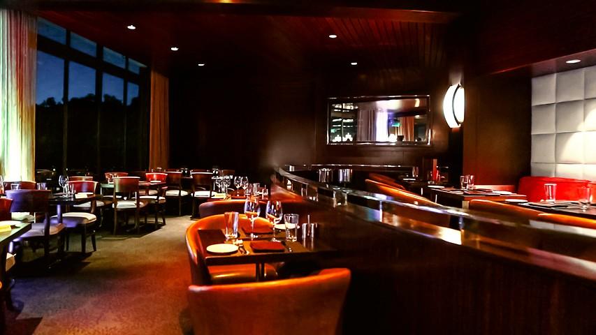 West Restaurant Lounge Hotel Angeleno