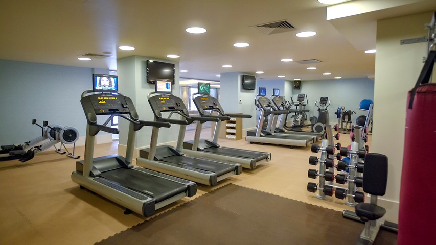 Isika fitness crown metropol perth