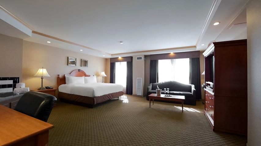 Hotel In Milwaukee Ambassador Hotel Milwaukee Wi