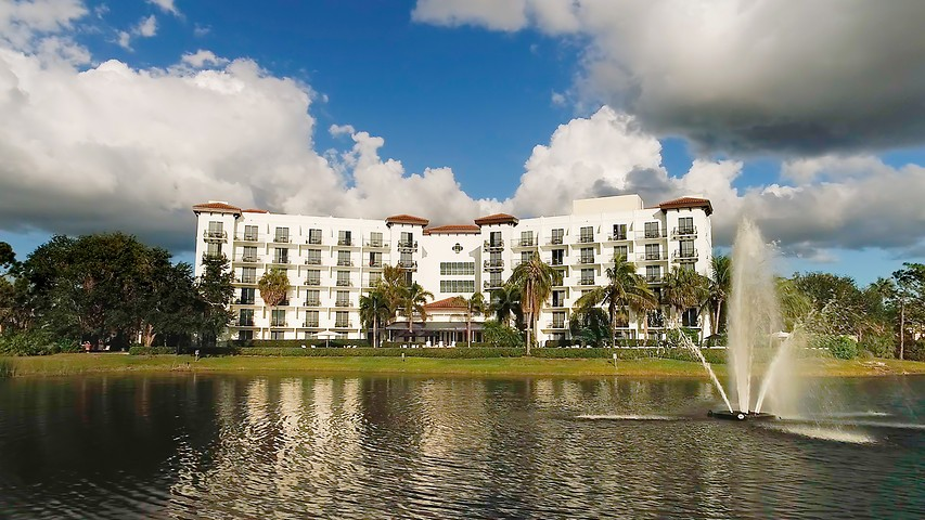 Inn at Pelican Bay - Boutique Hotel in Naples, Florida