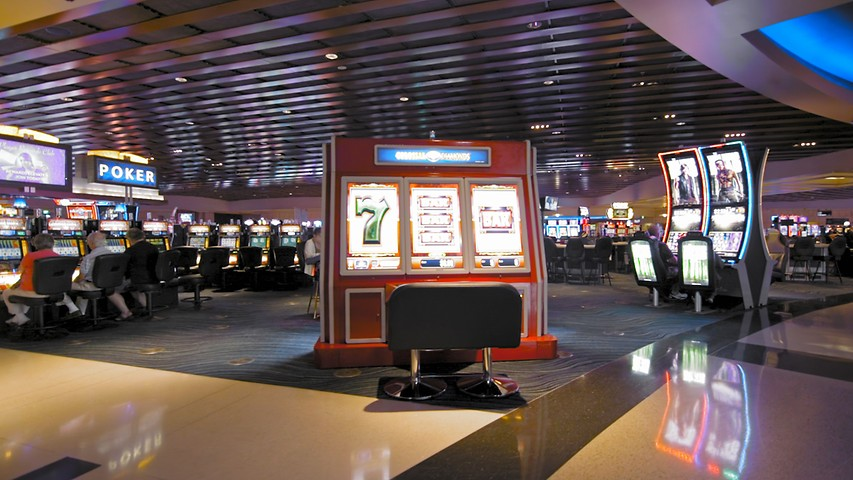 Casino Action, Slots and Gaming at Casino Arizona
