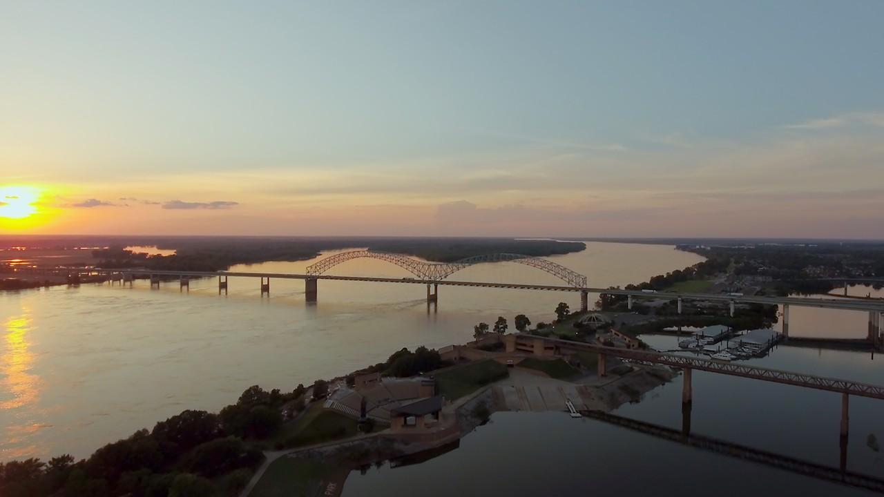 The Peabody Memphis | Memphis Hotels