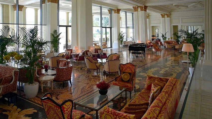 77bbb9569 Mosaico Restaurant, lobby lounge at Palazzo Versace Dubai