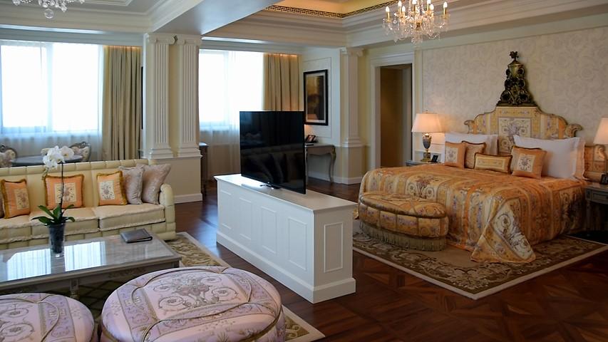 55e02f2ce Premier Room | Palazzo Hotel Rooms with Dubai Creek views