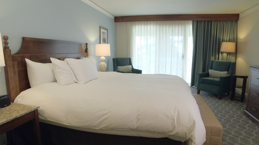Guest rooms suites kingsmill resort williamsburg va for 2 bedroom suites williamsburg va