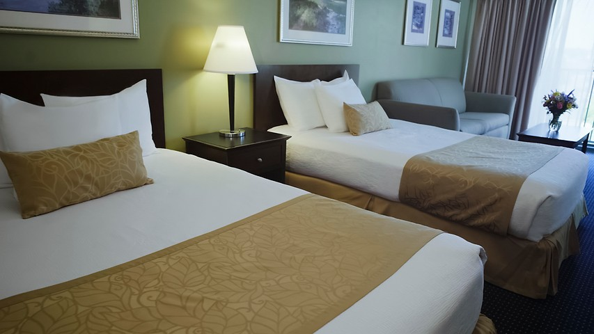 dubuque waterpark grand harbor resort dubuque ia. Black Bedroom Furniture Sets. Home Design Ideas